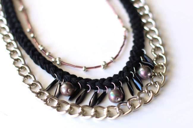 diy-necklace-tutorial-black-16