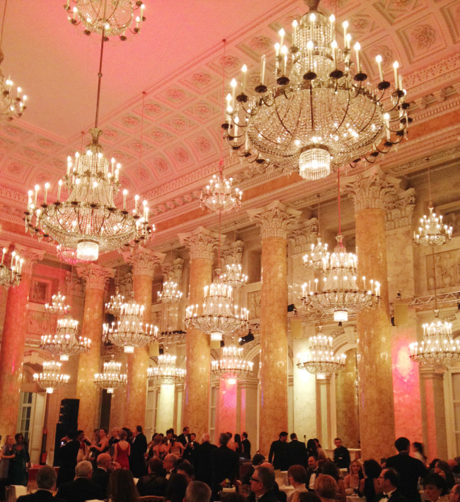 Hofburg Ball in Wien, Ballroom Dancing // www.fanfarella.at