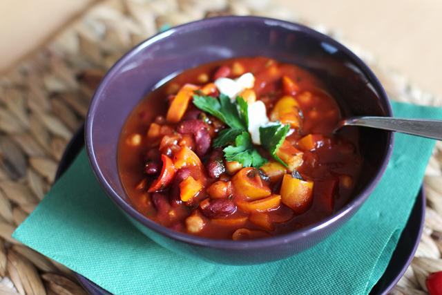 Rezept: Vegetarisches Chili - Chili sin Carne / www.fanfarella.at