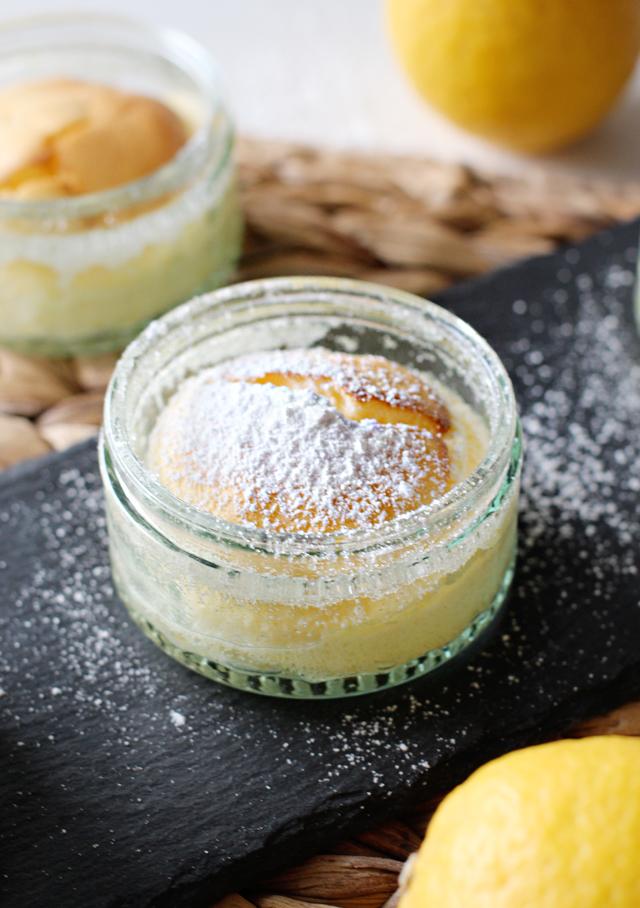 Rezept: Süßes Zitronen Soufflé / www.fanfarella.at