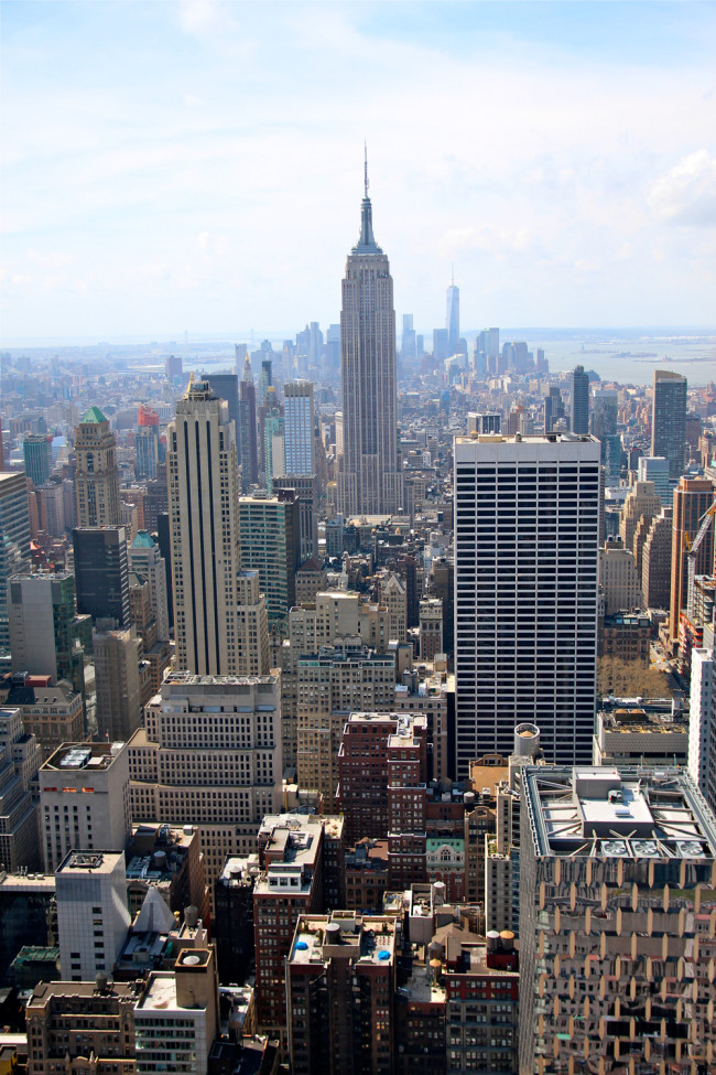 New York Top of the Rock View / Empire State Building / https://www.fanfarella.at/travel-diary-new-york-new-york