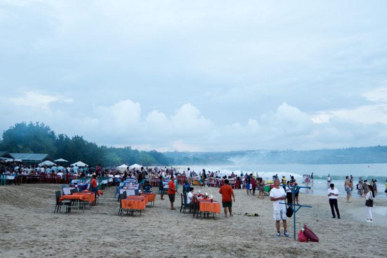 Jimbaran Beach / Fanfarella / http://www.fanfarella.at/traveldiary-10-tage-bali-und-zurueck